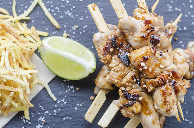 Brochetas de pollo de Montys Madrid